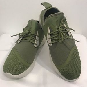 Nike Lunarcharge Essential Mens Running Shoe Sz 10